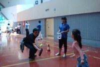 图书馆、档案馆代表队参与学校亲子游戏活动