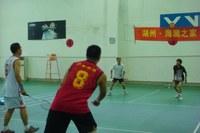 图书馆暑期与长兴华盛中学教师代表队开展羽毛球友谊赛